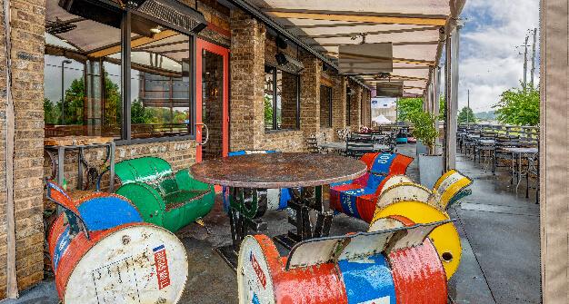 Mellow Mushroom Anniston Oxford patio seating