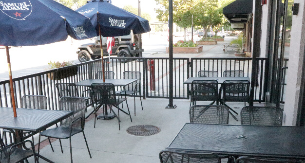 Mellow Mushroom Cartersville patio outdoor dining