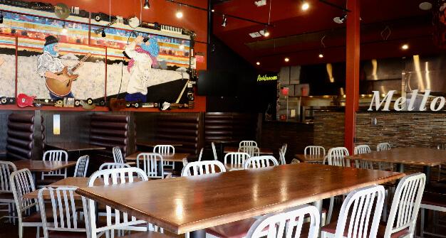 Mellow Mushroom Cumming GA main dining long table