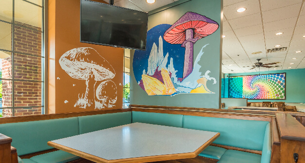 Mellow Mushroom Farragut feature booth table