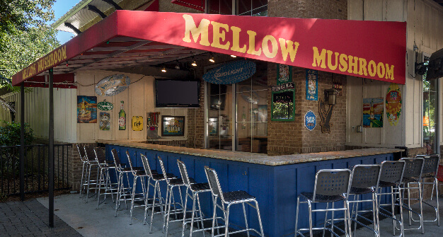 Mellow Mushroom Mount Pleasant outdoor bar