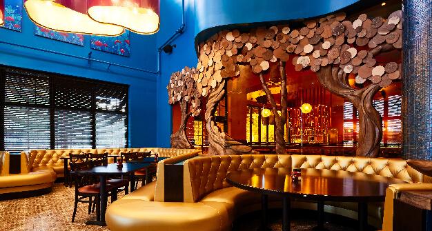 Mellow Mushroom Midlothian main dining booths